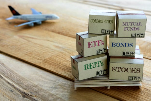 Similarities of Index Mutual Funds and ETFs   Index Mutual Funds vs ETFs: Which Investment is Best for You?   Inside Your IRA