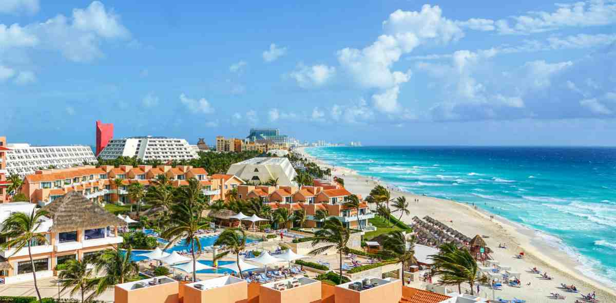 resort town by the beach   Mexico   best retirement countries