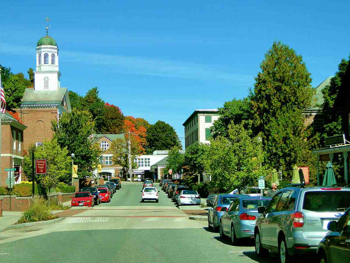 street at New Hampshire | Best States For Retirement | Inside Your IRA | best states for seniors | best states to retire