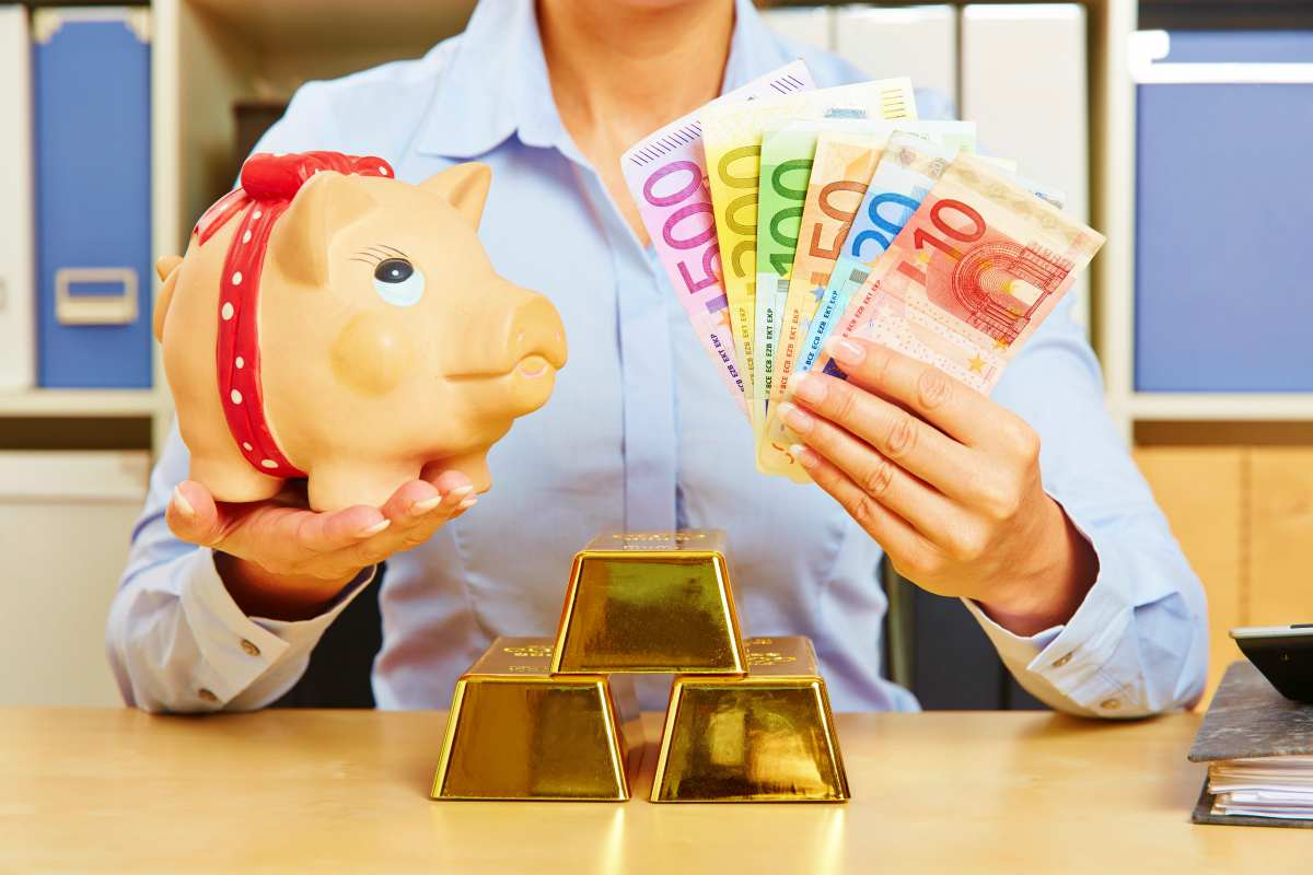 financial security diversity euro money gold piggy bank   Best Retirement Investments   Inside Your IRA