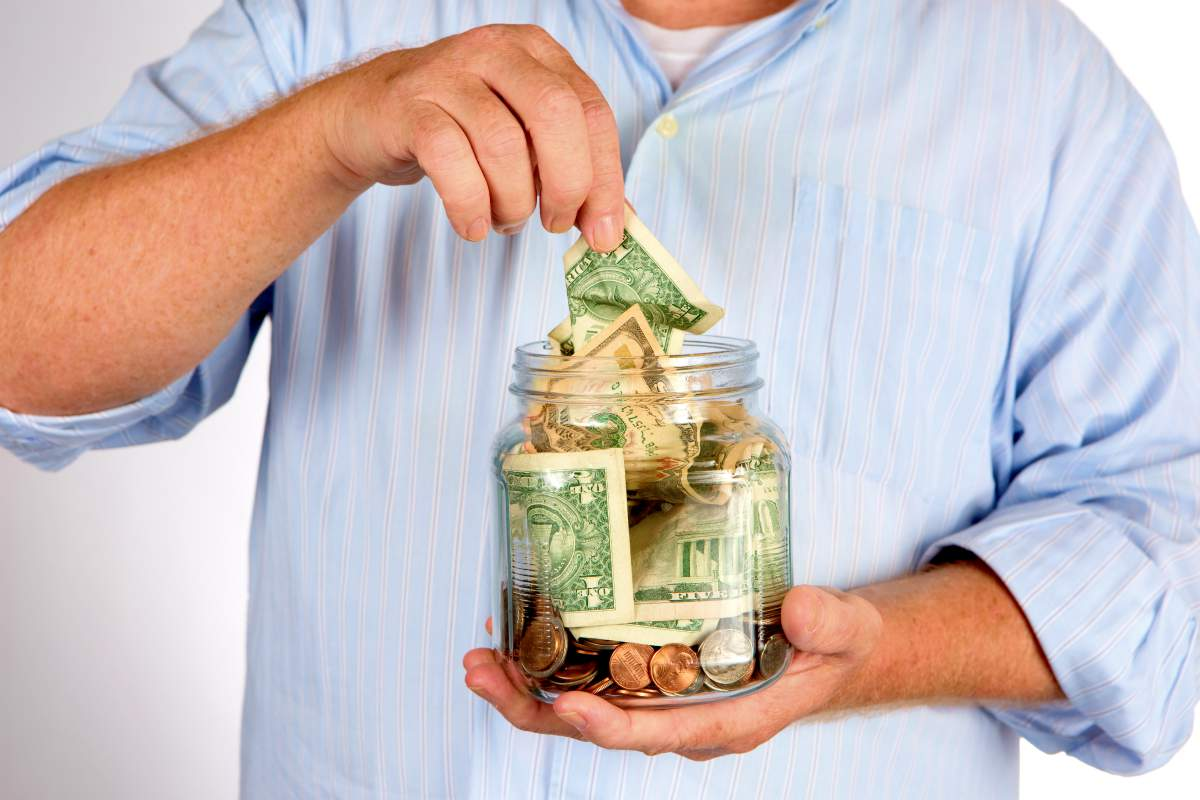 retiree withdraw money his savings bank   Best Retirement Investments   Inside Your IRA
