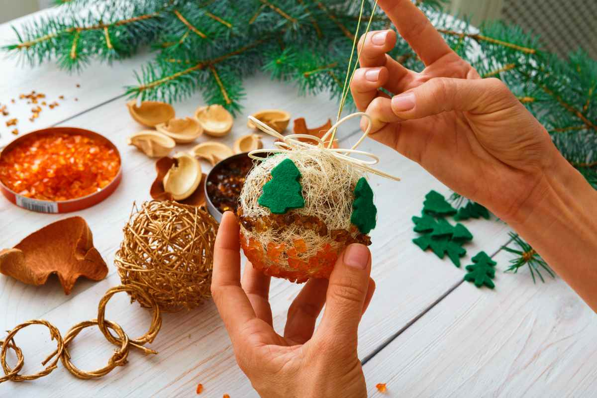 creative diy craft hobby making handmade | Budgeting Tips | How To Stick To Your Budget This Holiday Season | Inside Your IRA | save money tips